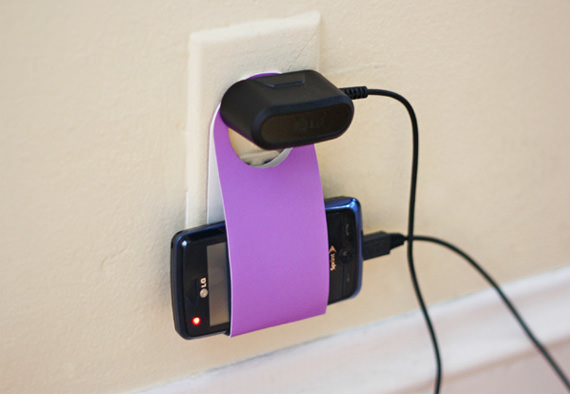 accessories-cell-phone-charging-holder-1