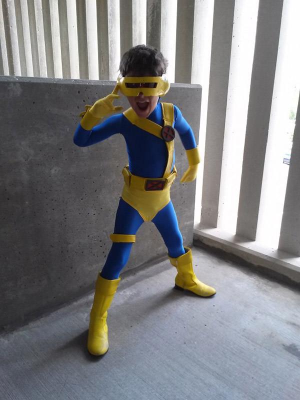 kid dressed as cyclops