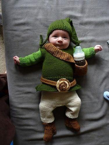 baby dressed as zelda