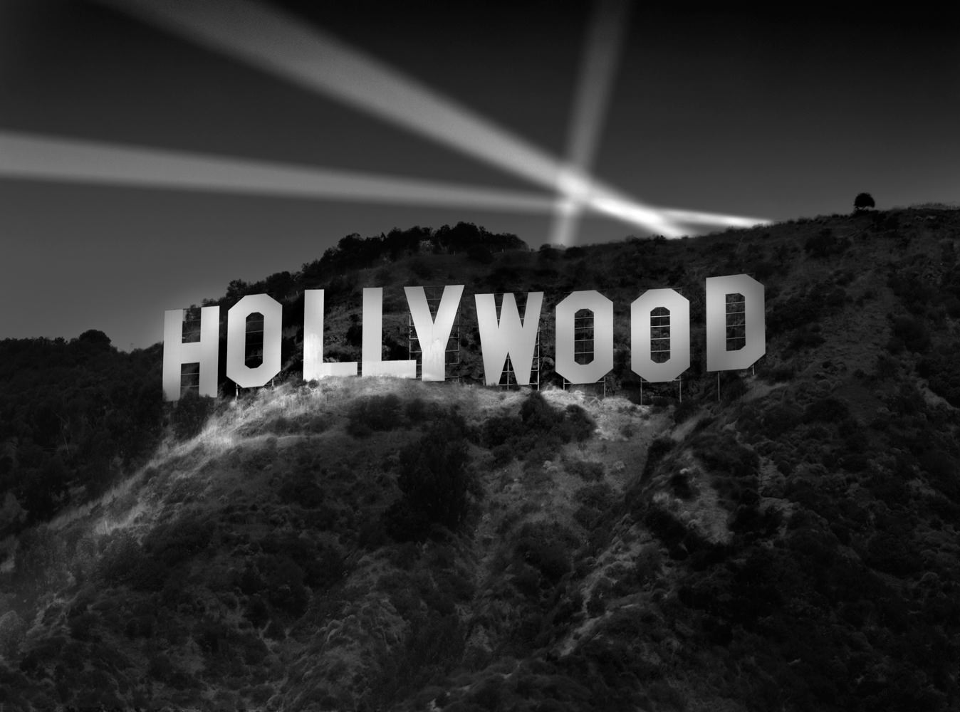 8 Not So Glamourous Stories About Old Hollywood You