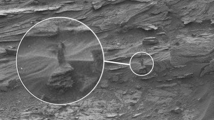 woman figure spotted on Mars