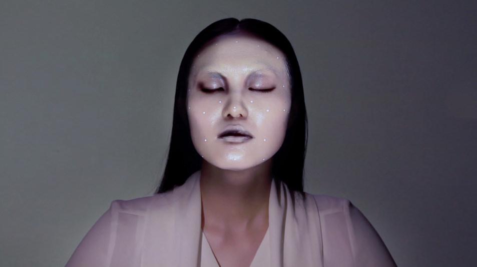Project face mask, plain white/procelain