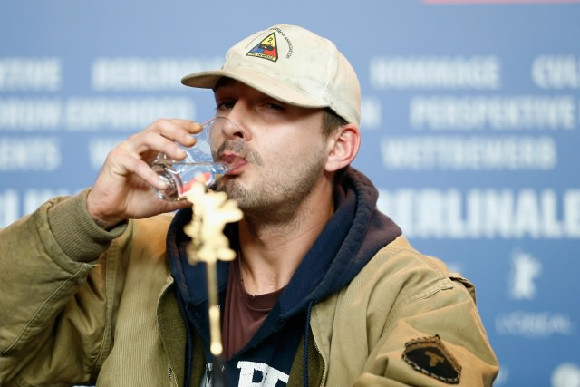 8 Of The Most Bizarre Things Shia LaBeouf Has Done - If ... шайа лабаф сошел с ума