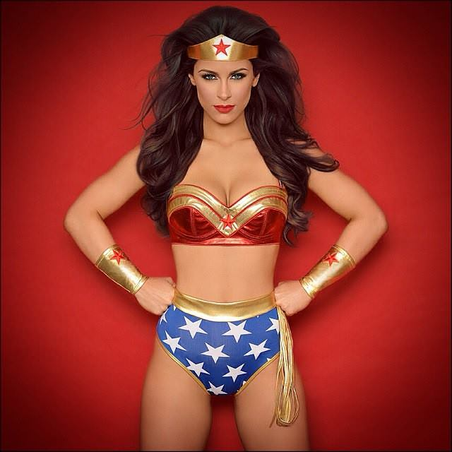 wonderwoman cosplay 2020